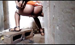 Peeing African beautiful ass