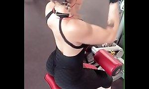 Superculo en el gym III