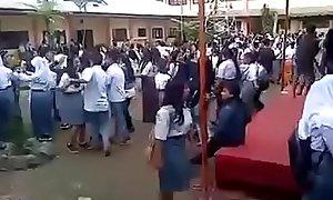 Kelakuan Anak sekolah  zaman sekarang