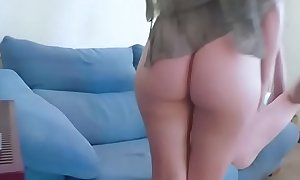 Arab Chick Zoe Gives Rimjob And Blowjob For Money