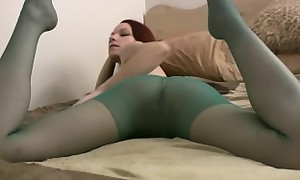 Kajira rips her nylons then toys herself